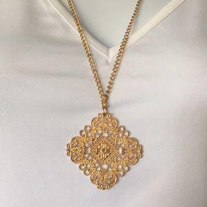Vintage necklace (Bundle 3 listings for $25)